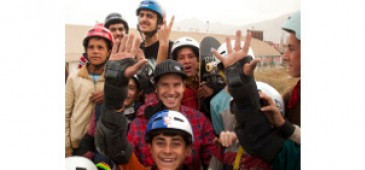 Oliver with Kabul boys